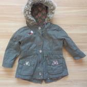 Фирменная парка куртка Next  малышке 9-12 месяцев состояние отличное