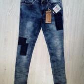 Джинсовые штаны на девочку 152 разм.