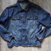 Джинсовая куртка фирменная р.м в отличном состоянии