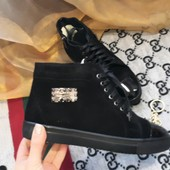 Ботинки женские зимние сапоги.