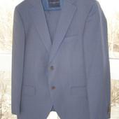 Tommy Hilfiger костюм 100%  шерсть 48-размер.Оригинал