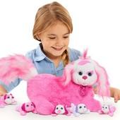Собака пудель Лесси с щенятами Puppy Surprise