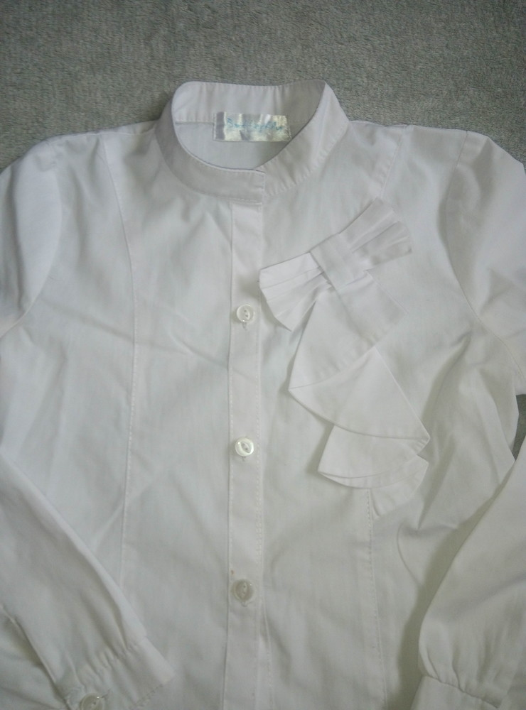 222acfe715f Белая блузка в школу фото №1