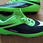 Бутсы копочки фирменные Nike HyperVenom р.38-24 см.