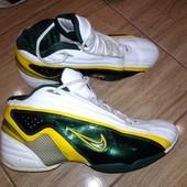 Фирменные кроссовки 44 р Nike. Стелька 28