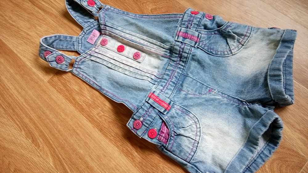 Джинсовый стиляжный комбез ромпер шорты f&f на 18-24+ мес фото №1