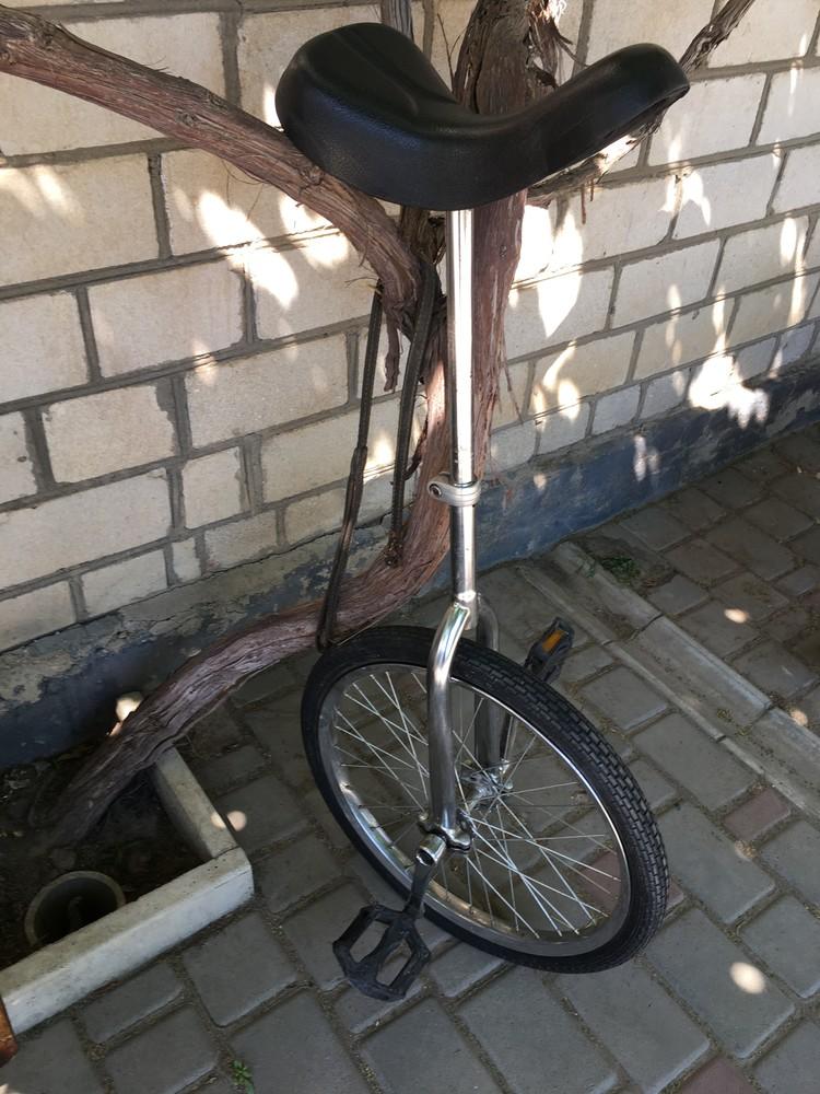 Моноцикл, уницикл, одноколесный велосипед фото №1