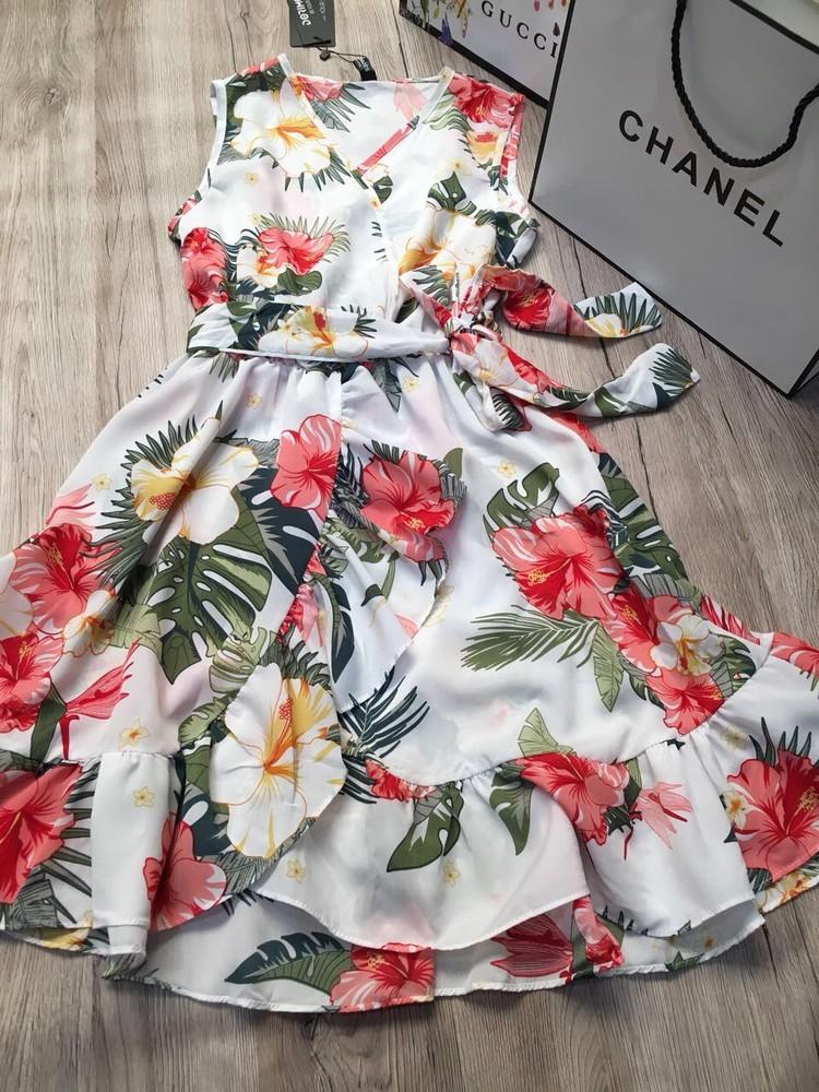 Женское платье в цветочек  фото №1