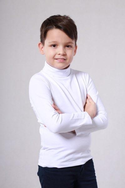 Белый школьный гольф для мальчика. фото №1