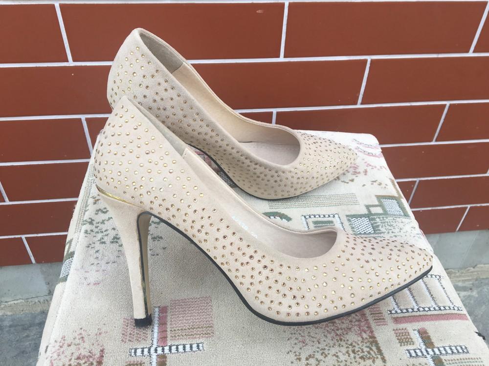 Очаровательные туфли 39 размер фото №1