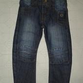 Модные джинсы на мальчика  2-3 г.