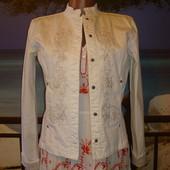 Куртка джинсовая с вышивкой р.8 United Colors Of Benetton