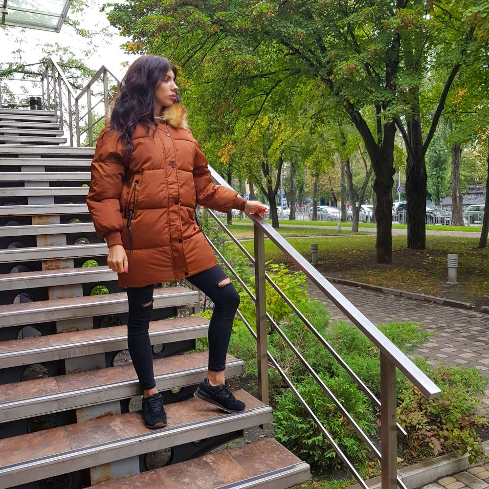 Женская длинная куртка рыжая фото №1