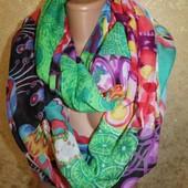 Desigual Дизайнерский шарф- хомут. Очень яркий и стильный высота - 112 см., длина 96 см.