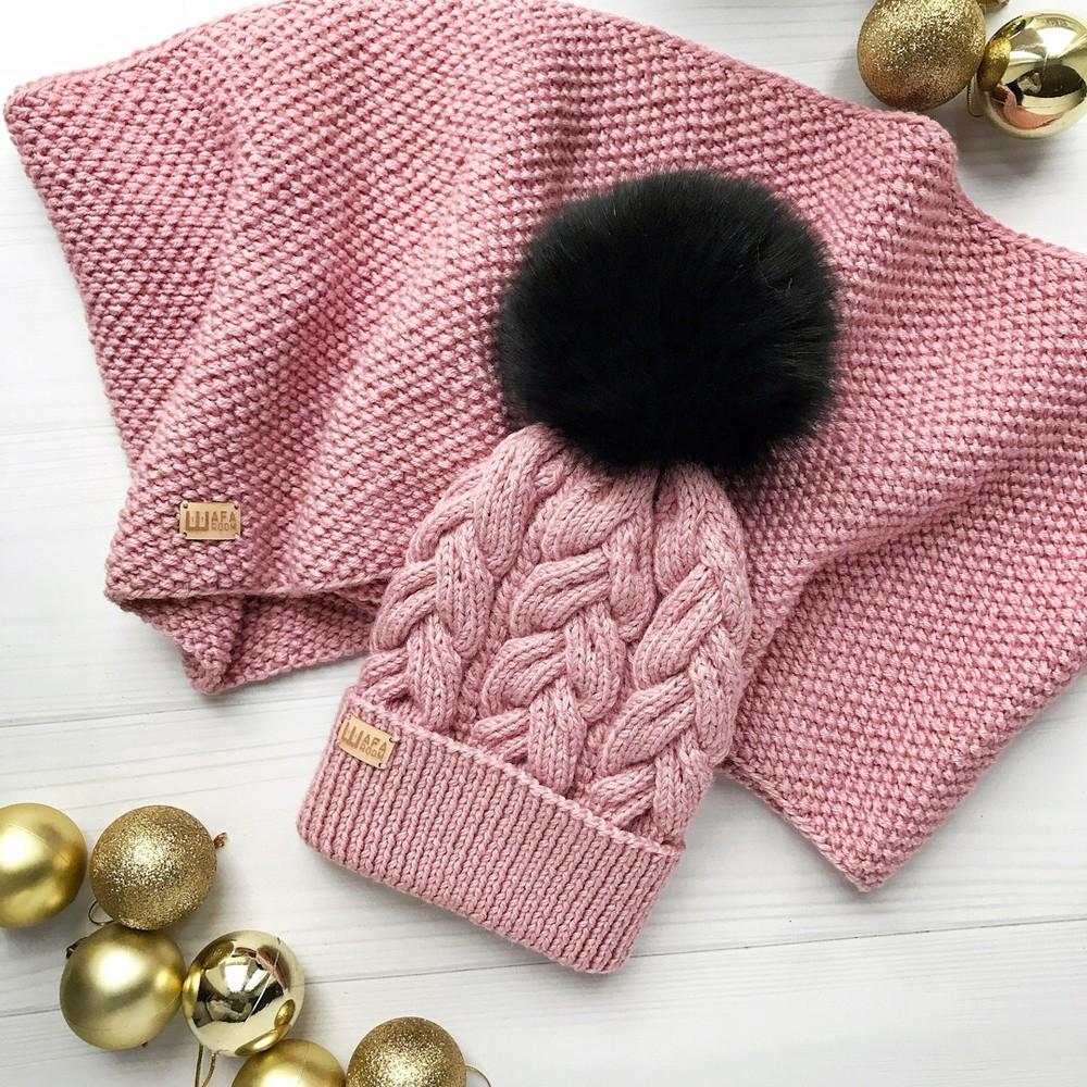 Комплект шапка и хомут гипоаллергенная пряжа пудра фото №1