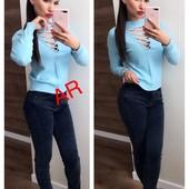 Женский свитер на шнуровке