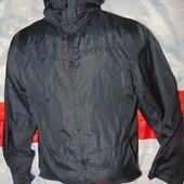 Стильная фирменная курточка ветровка бренд  Basic (Басик) .s-m ynisex