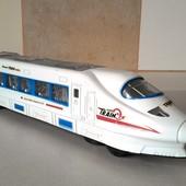 Большой скоростной поезд с музыкой,светом,движением!