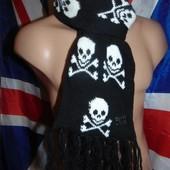 Стильний фирменний шарф Черепа .