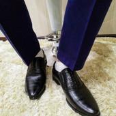 Мужские черные туфли с острым носком