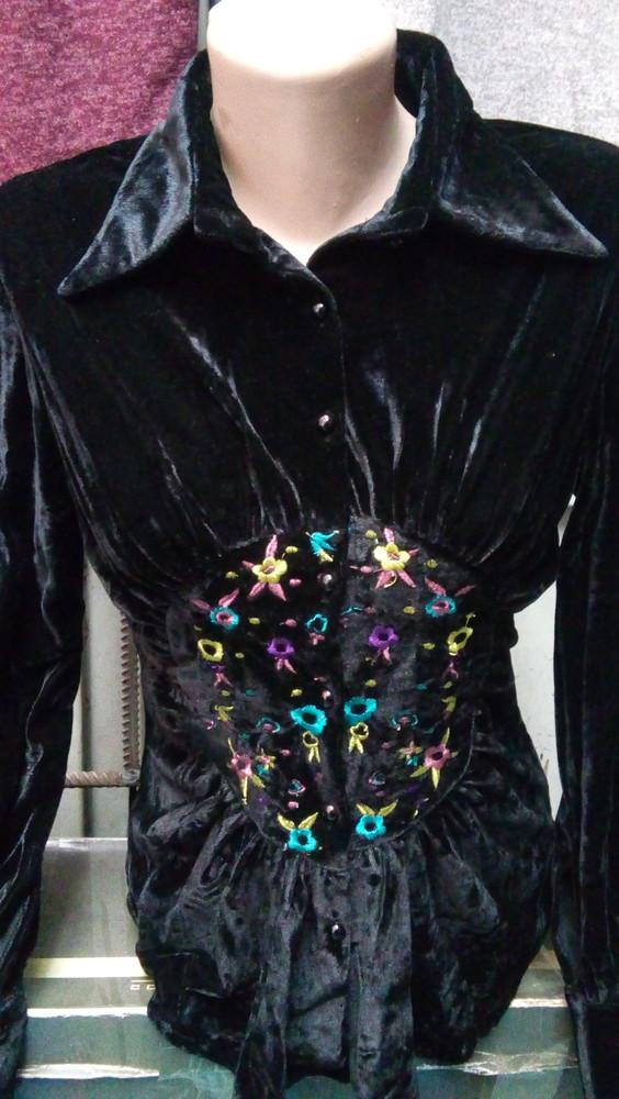 Хит сезона!!! велюровая рубашка с красивой цветной вышивкой. фото №1