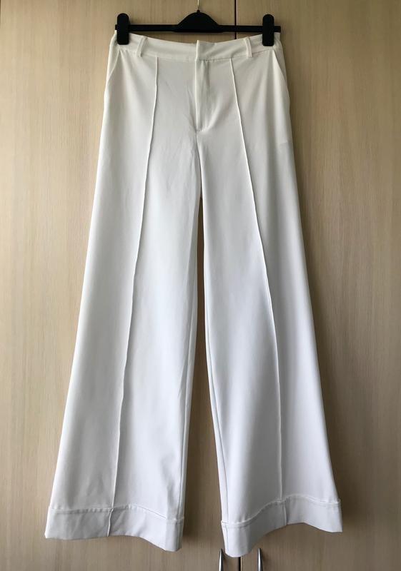 Белые брюки-клёш с высокой посадкой stradivarius, s фото №1
