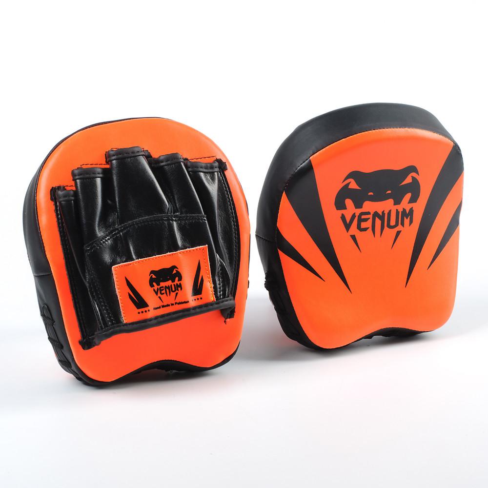 Лапа изогнутая боксерская venum flex 8331: 2 лапы в комплекте, размер 18x16x5см фото №1