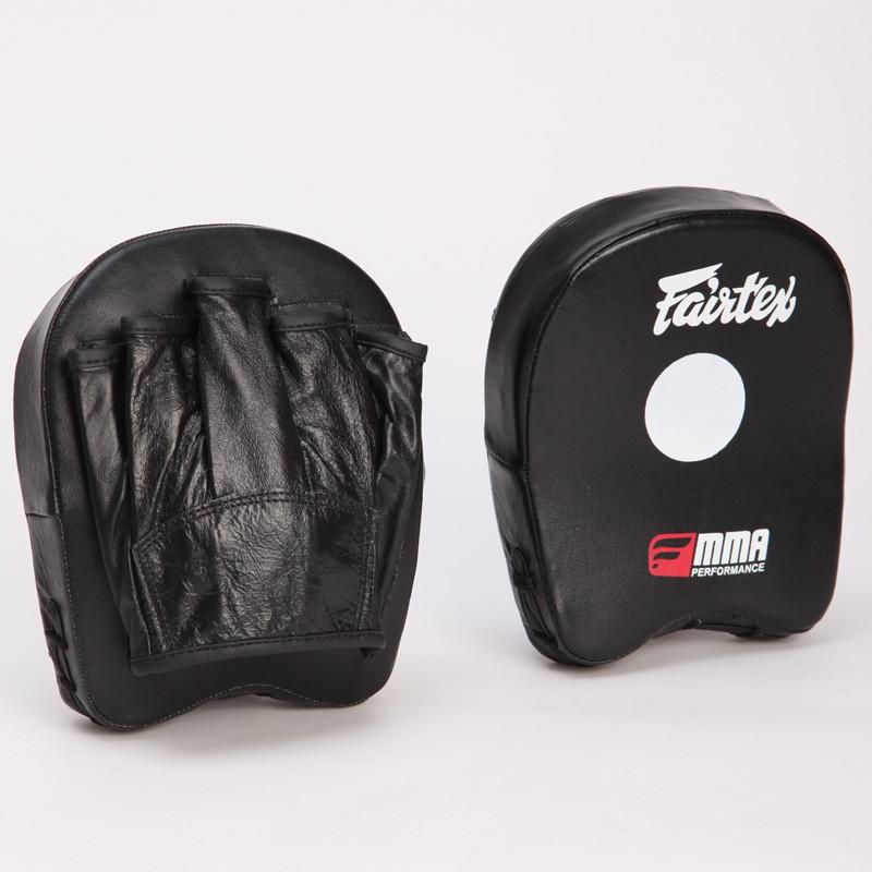 Лапа прямая fairtex mini pad ftx015: размер 18x16x4,5см (2 лапы в комплекте) фото №1