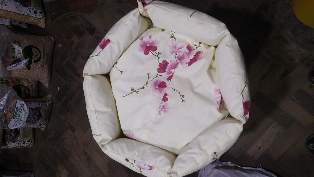 Лежак, мягкое место для собаки или кошки фото №1