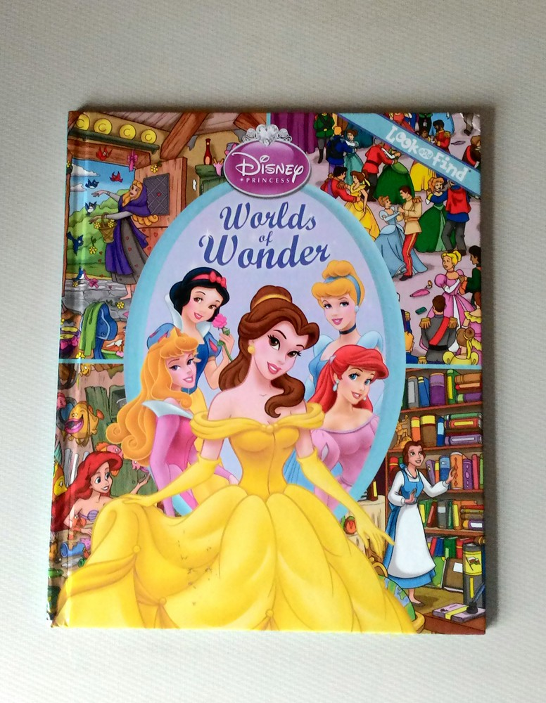 """Крутая книга о принцессах из серии """"найди предмет"""" на англ.языке. фото №1"""