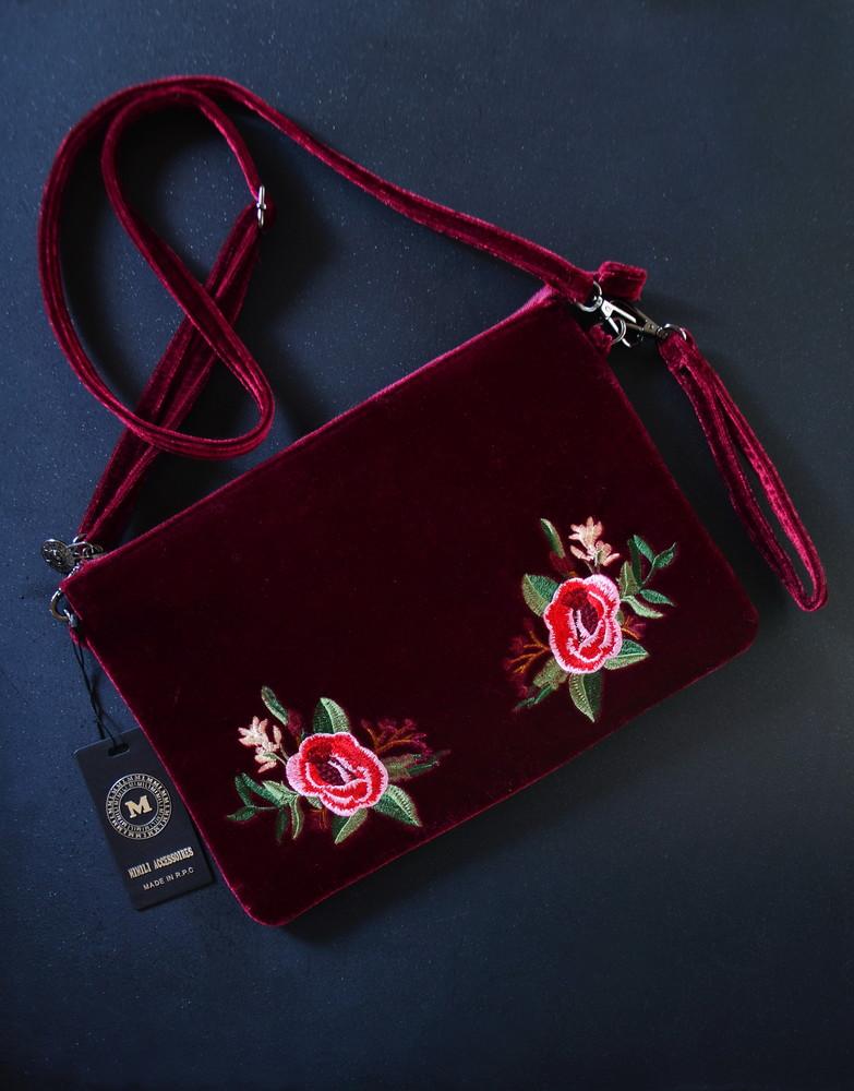 Бархатная сумка с вышивкой фото №1