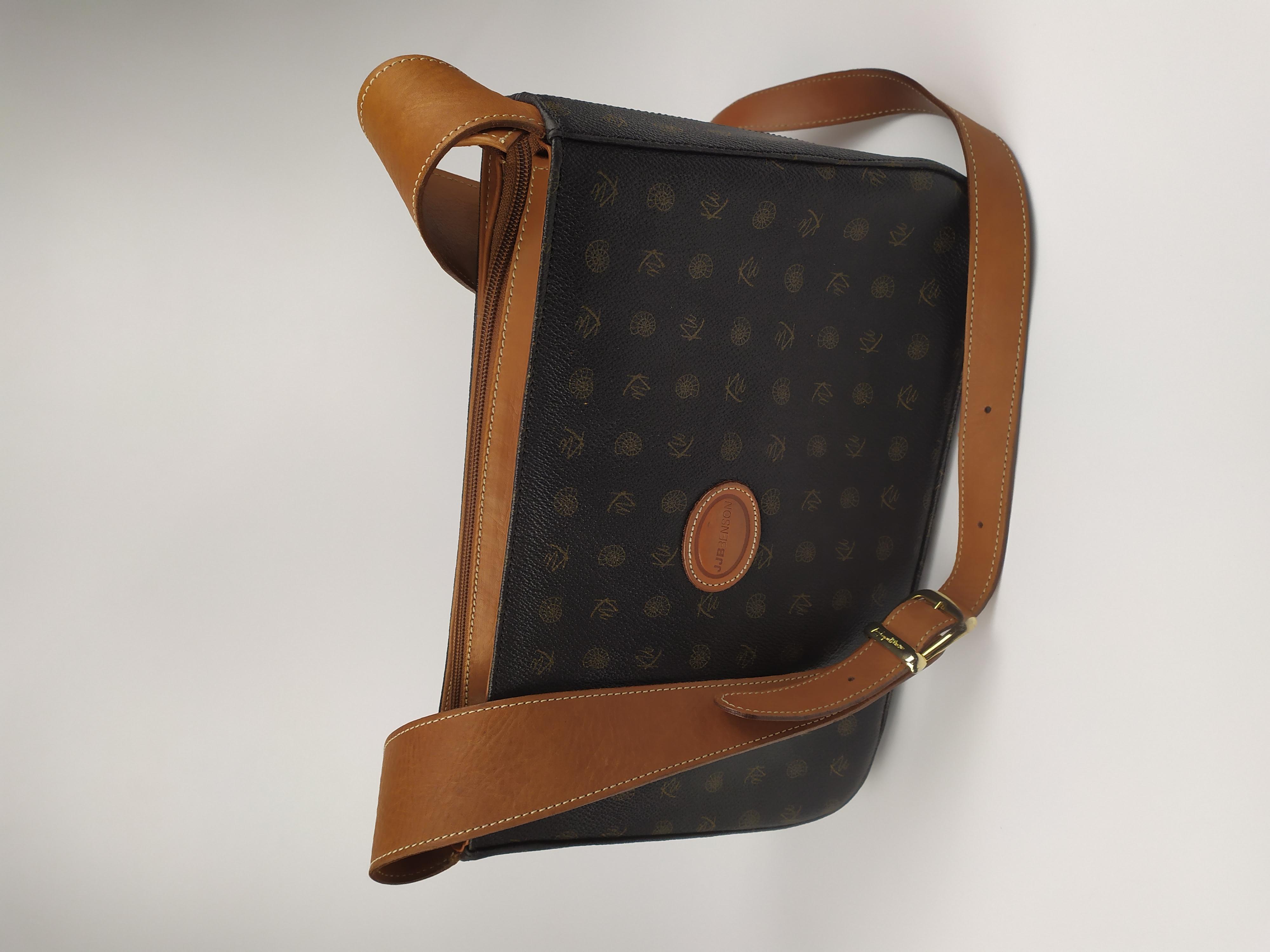 Фирменная сумка через плечо по типу louis vuitton фото №1