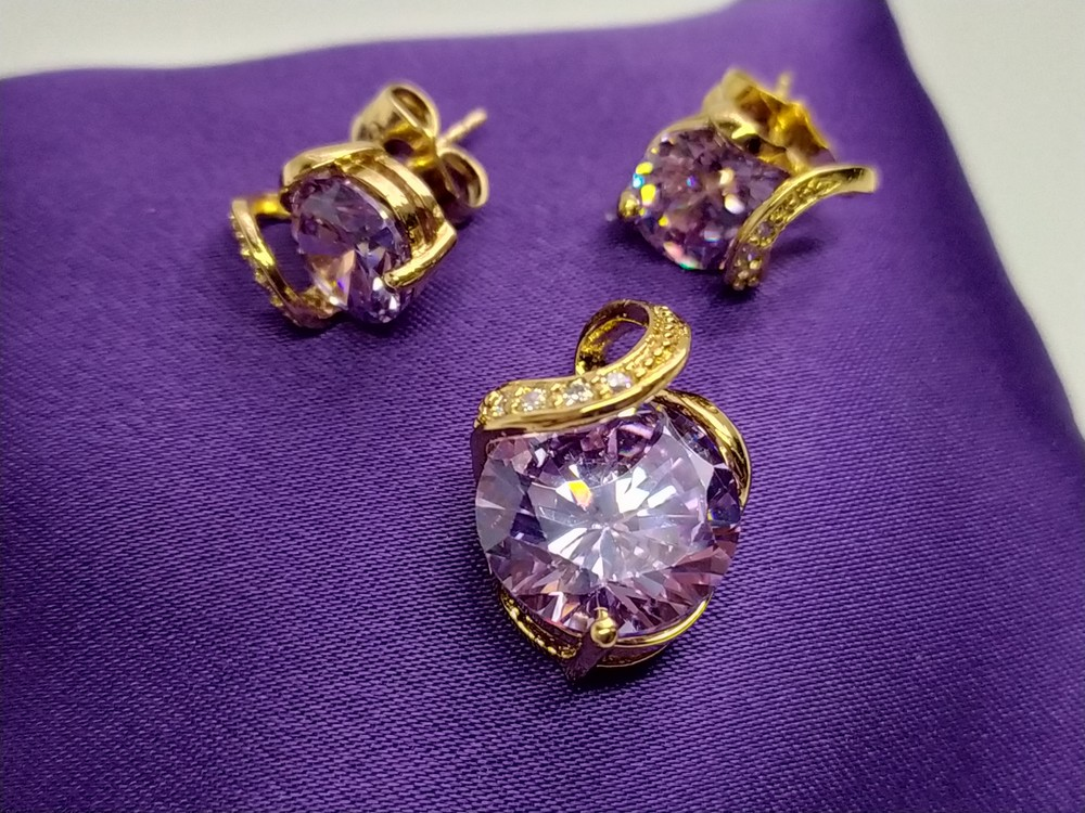 Позолоченные серьги с кулоном - сиреневый кристалл, позолота фото №1