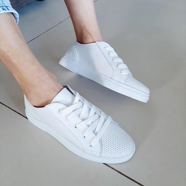 Белые кожаные кроссовки фото №1