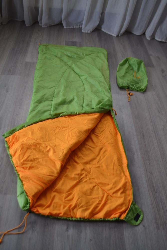 Спальник-одеяло деми лето ф. easy camp в новом состоянии фото №1